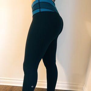 black lululemon leggings w/ teal stripe waistband